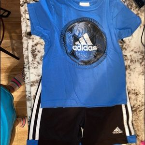 Adidas outfit 3t